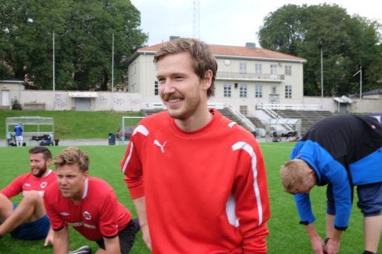 Forfatterlandslagets midtbaneelegant, Christian Valeur.