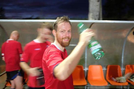 Eirik Ingebrigtsen etter fjorårets seier mot Italia.